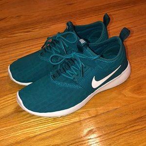 Nike Juvenate Women's Sneakers size 6.5